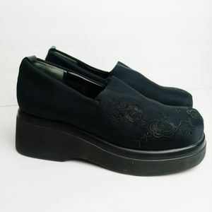 Steve Madden Vintage 90s Platforms Embroidered 7.5